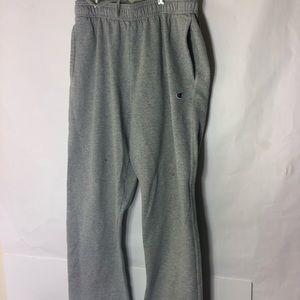 Champion Large Sweatpants Gray// Minor Hole